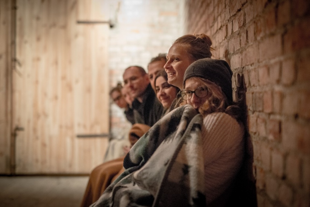 Maria Kapała, Maria Bohdziewicz and others watch the work of ATIS NICHE, Brzezinka, September 2015, photo Maciej Zakrzewski
